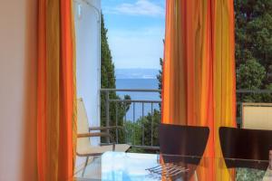 Apartment Near The Beach, Ferienwohnungen  Ičići - big - 16