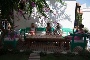 Courtyard, Hotely  Kalkan - big - 33