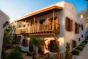 Courtyard, Hotely  Kalkan - big - 48