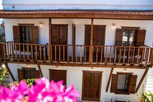 Courtyard, Hotely  Kalkan - big - 45