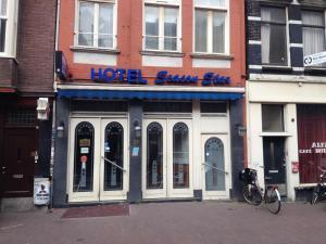 Budget Season Star Hotel(Ámsterdam)