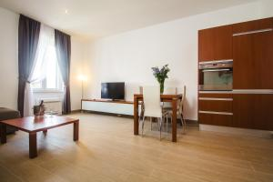 City Pads Apartment