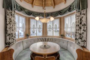 Alexander Mountain-Lodge, Prázdninové domy  San Vigilio Di Marebbe - big - 2