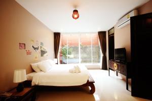 Feung Nakorn Balcony Rooms and Cafe, Отели  Бангкок - big - 74