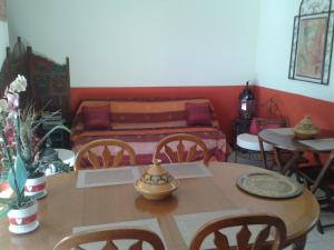 Aux Amandiers, Bed and Breakfasts  Fréjus - big - 24