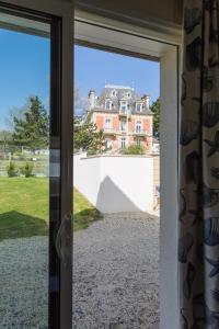 Villa Tracy sur Mer, Affittacamere  Arromanches-les-Bains - big - 39