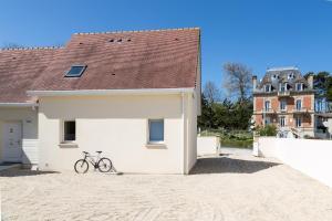 Villa Tracy sur Mer, Affittacamere  Arromanches-les-Bains - big - 57