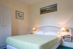 Villa Tracy sur Mer, Affittacamere  Arromanches-les-Bains - big - 77
