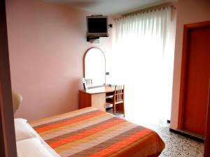 Hotel Aquila D'Oro, Szállodák  Misano Adriatico - big - 4