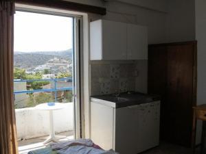 Efrosyni Apartments, Apartments  Agia Marina Aegina - big - 7