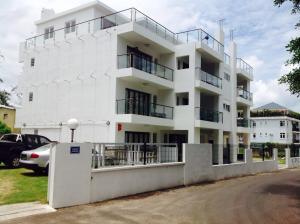Silver Sands Studios & Apartment