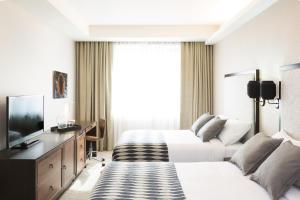Leon Hotel photos