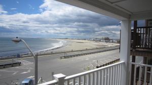 Atlantic Breeze Suites