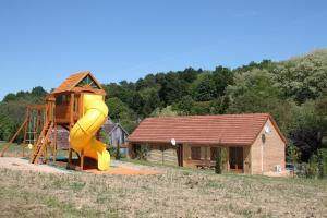 Gite de Charme, Holiday homes  Saint-Aignan - big - 12