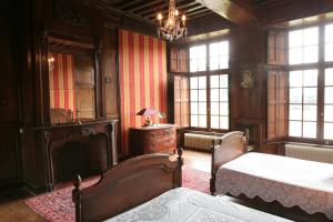 Le Logis d'Equilly, Bed and breakfasts  Équilly - big - 26