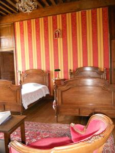 Le Logis d'Equilly, Bed and breakfasts  Équilly - big - 29