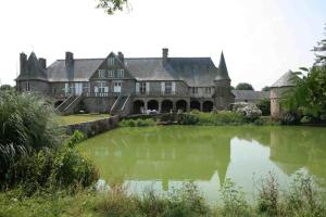 Le Logis d'Equilly, Bed & Breakfast  Équilly - big - 14