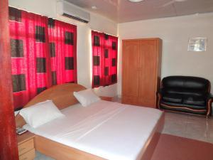 Gussys Hotel Ltd, Отели  Тема - big - 2