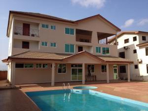 Gussys Hotel Ltd, Отели  Тема - big - 1