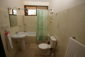 Gussys Hotel Ltd, Отели  Тема - big - 21