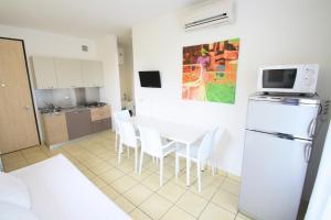 Villa Albaluisa, Ferienwohnungen  Bibione - big - 1