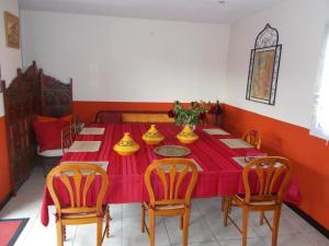 Aux Amandiers, Bed and Breakfasts  Fréjus - big - 4