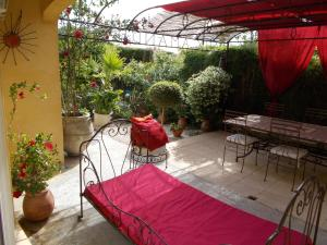 Aux Amandiers, Bed and Breakfasts  Fréjus - big - 25