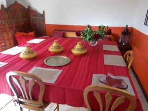 Aux Amandiers, Bed and Breakfasts  Fréjus - big - 11
