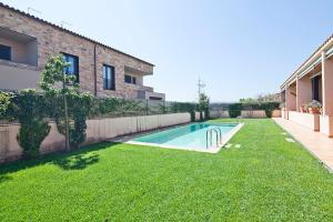 Parlava House with Shared Swimming Pool