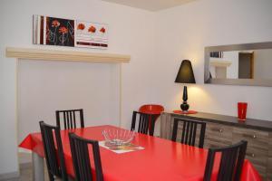 Loca-Moulins, Prázdninové domy  Saze - big - 10