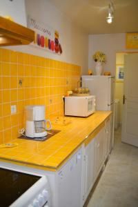Loca-Moulins, Holiday homes  Saze - big - 11