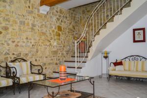 Loca-Moulins, Holiday homes  Saze - big - 14