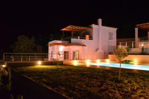 Villa Soumela, Villas  Nikiana - big - 11