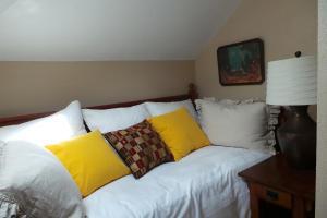 Daffodil Suite, Ferienwohnungen  Placerville - big - 8