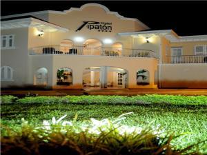 Hotel y Centro de Convenciones Pipaton