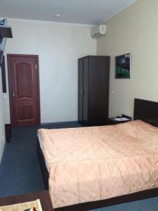 Отель Rhouse Inn - фото 1