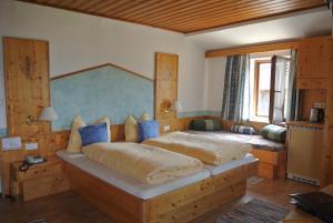 Landhaus Neubauer - Zimmer, Bed and Breakfasts  Millstatt - big - 18
