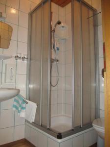 Landhaus Neubauer - Zimmer, Bed and Breakfasts  Millstatt - big - 17