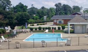 obrázek - Quarterpath Inn & Suites