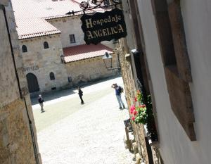 Hospedaje Angelica, Affittacamere  Santillana del Mar - big - 14