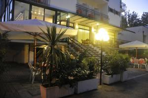 Hotel Lux, Hotel  Cesenatico - big - 58