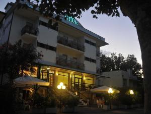 Hotel Lux, Hotel  Cesenatico - big - 47