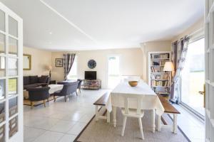 Villa Tracy sur Mer, Affittacamere  Arromanches-les-Bains - big - 45
