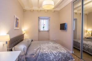 Villa Flores Room