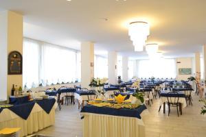 Hotel Baltic, Отели  Мизано-Адриатико - big - 26