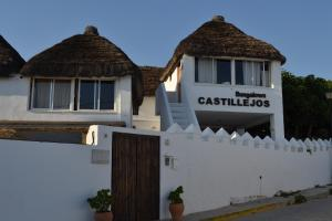 Апартаменты «Bungalows Los Castillejos (Adults Only)», Лос Каньос де Мека