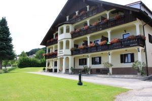 Pension Rosenauer Zimmer & Ferienwohnungen