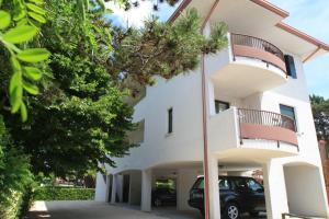 Villa Albaluisa, Ferienwohnungen  Bibione - big - 25