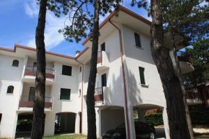 Villa Albaluisa, Ferienwohnungen  Bibione - big - 26