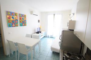Villa Albaluisa, Ferienwohnungen  Bibione - big - 11
